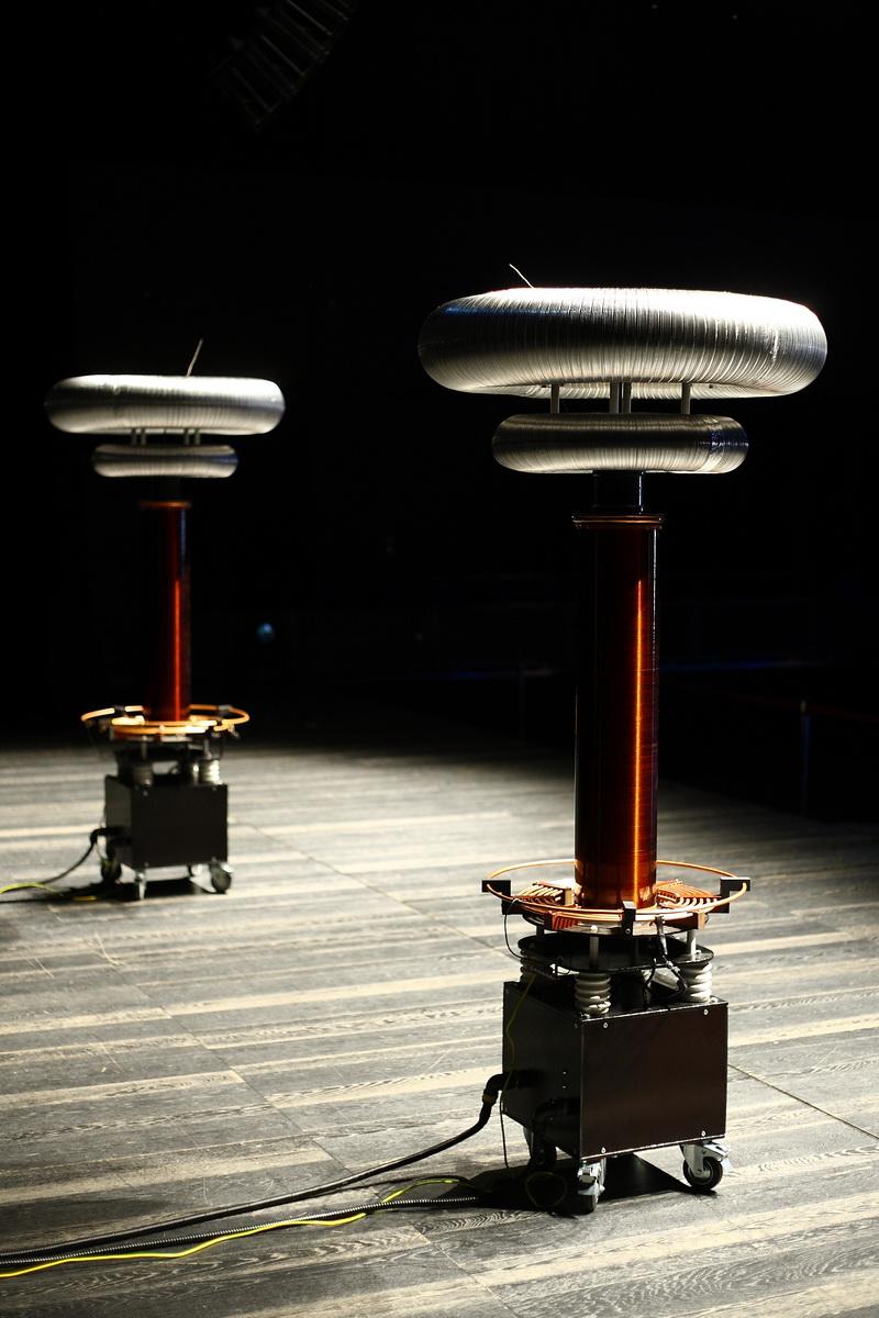 трансформаторы тесла для шоу